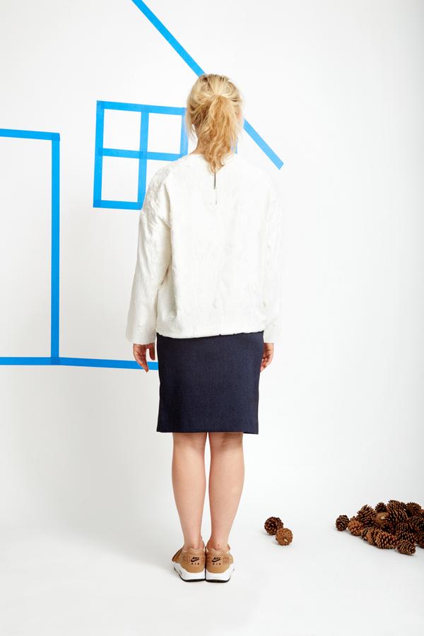 CF. Goldman Oversized Sweater - White Faux Pony