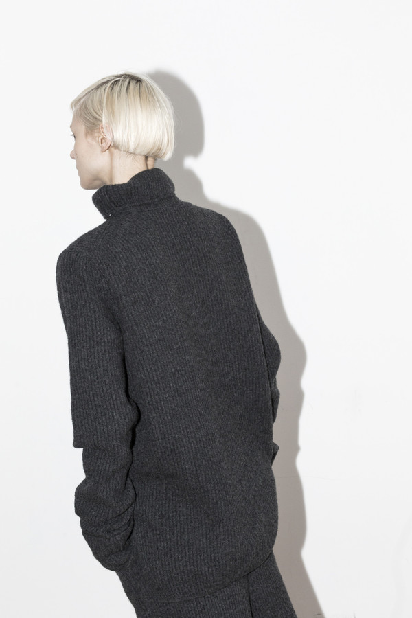 Yune Ho Madison Turtle Pullover