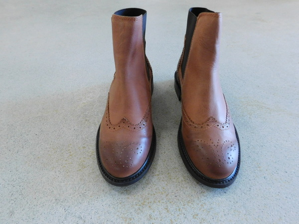 Yerse Leather Chelsea Boots