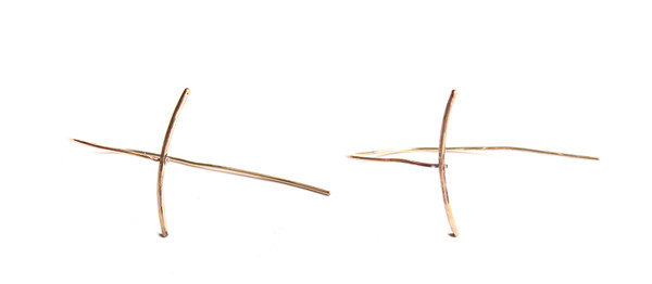 Sarah Dunn Gold Stick Curve Earring