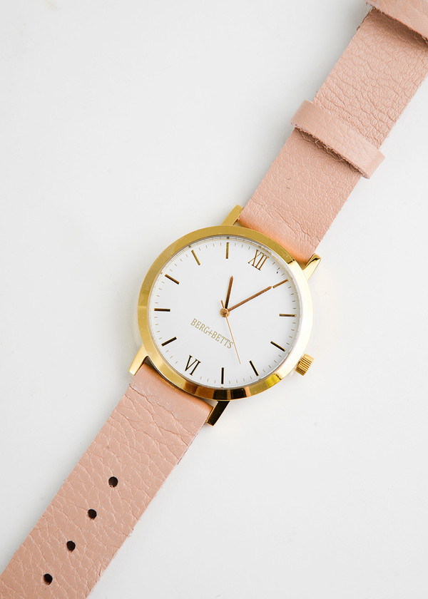 Berg + Betts Gold Round Watch in Pale Pink