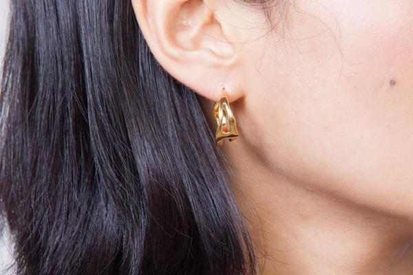 Shahla Karimi Paris Lake Small Hoop Earrings
