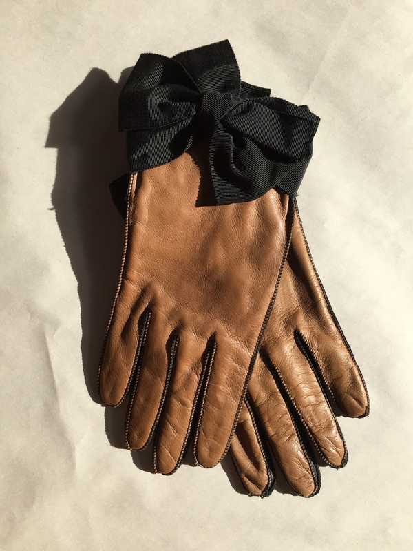 Yestadt Millinery Grosgrain Bow, leather gloves