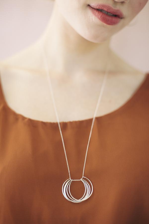 Favor Circuit Necklace