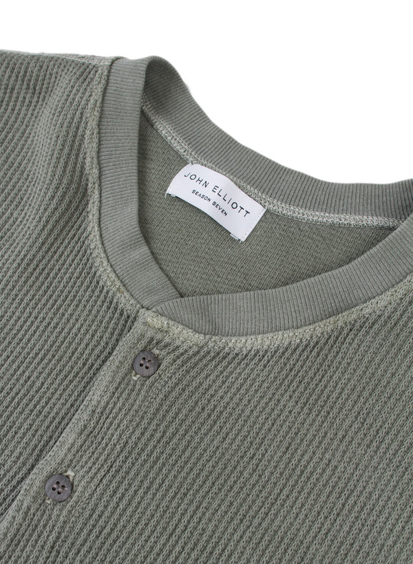 Men's John Elliott SS Flatback Thermal Henley Olive