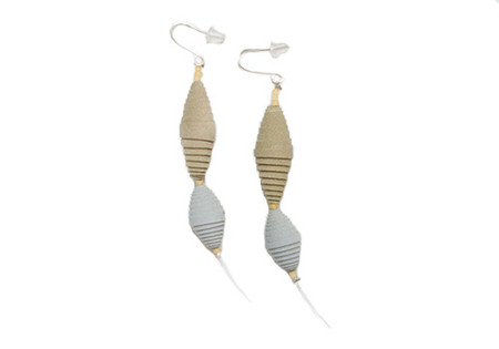 Dos Riberas Bicho CANASTO Earrings - Beige