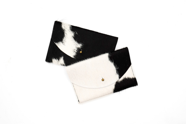 Primecut BLACK + WHITE PASSPORT CLUTCH