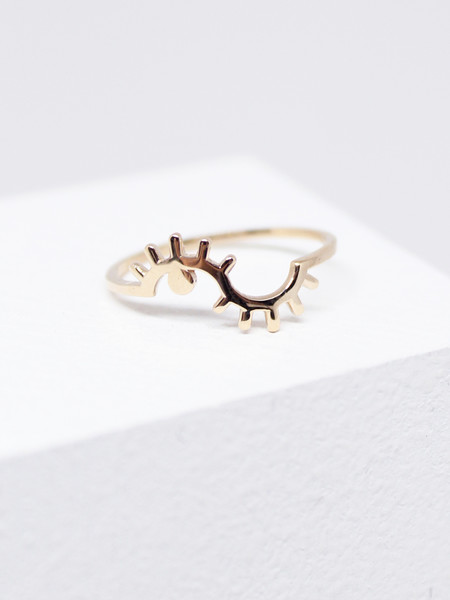 Winden Wink Ring