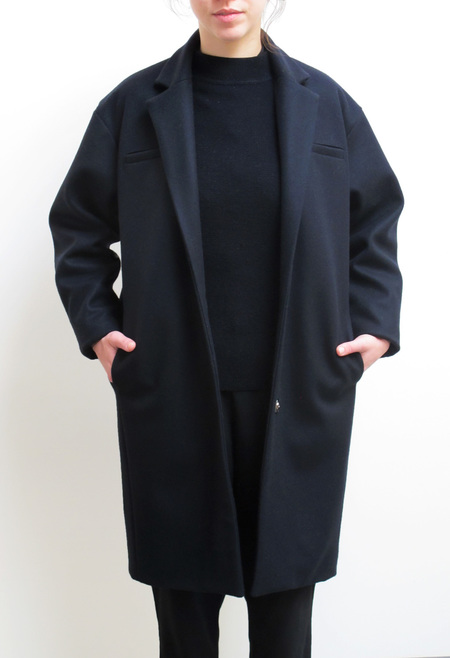 Waltz Notch Collar Coat in Navy