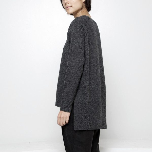 7115 by Szeki Exposed Seam Sweater FW15 - Gray
