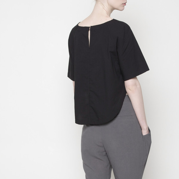 7115 by Szeki Relaxed Top