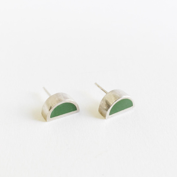 Karenn.la Green Semi-circle Stud