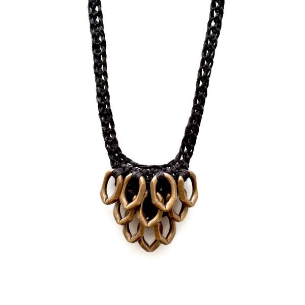 boet black petit artichoke necklace