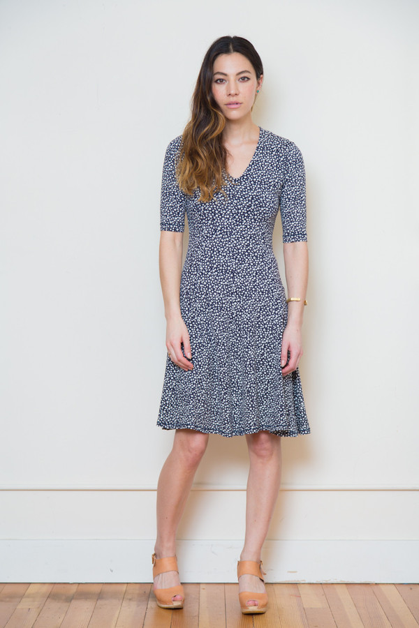 bytimo navy floral dress