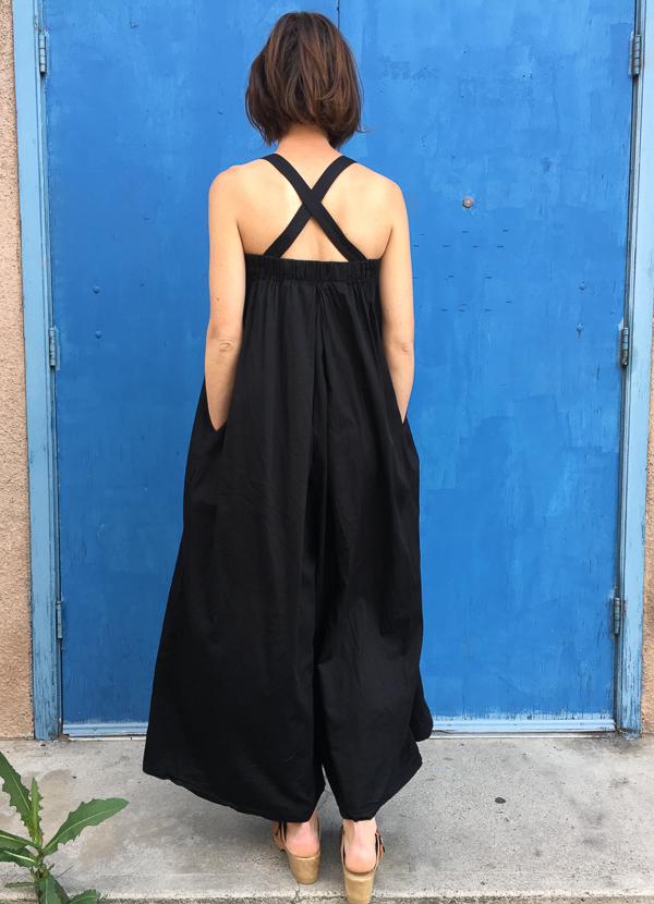 Black Crane pleated jumper