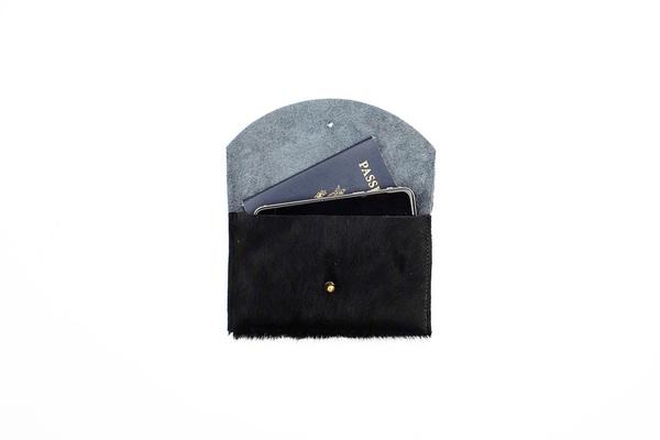 Primecut BLACK + WHITE PASSPORT CLUTCH