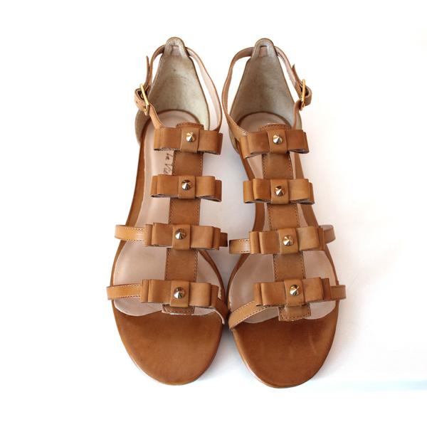 Pour la Victoire Bow Sandals