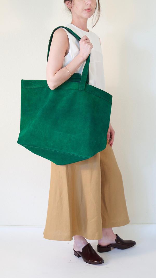 A Détacher Ada Tote in Green Suede