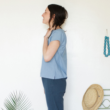 Me & Arrow  Basic Tee - Lt. Indigo Chambray