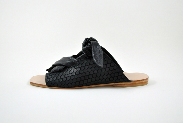 The Palatines Texo sandal - Black hex leather with shiny black ties