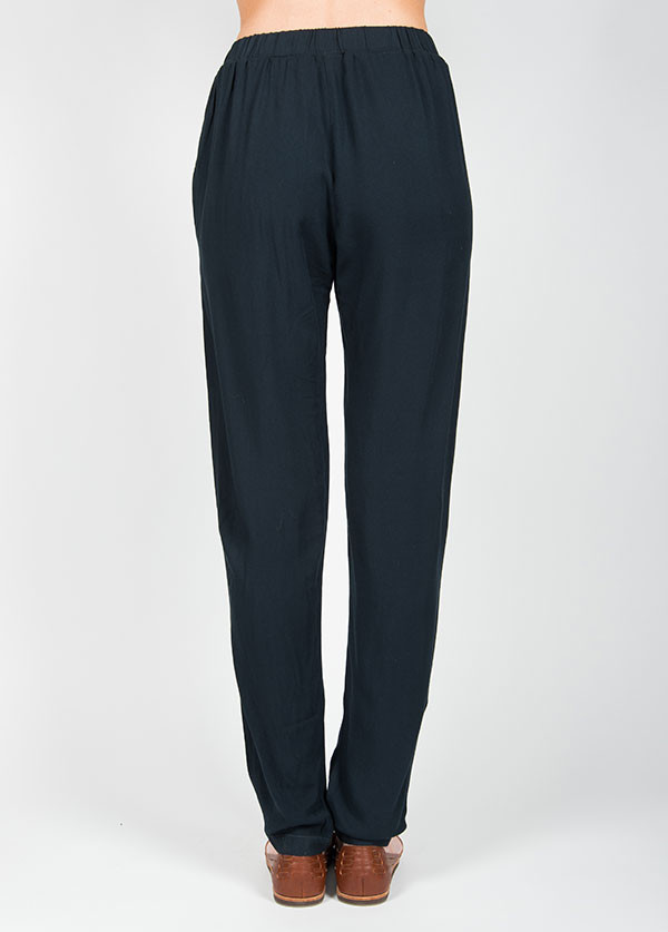 Black Crane Pleats Pant in Grey Black
