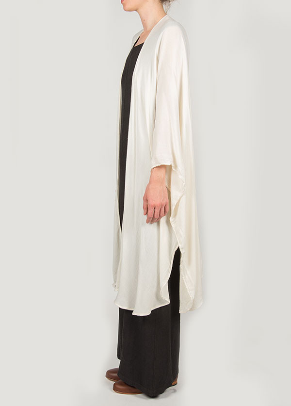 Black Crane - Poncho in Cream