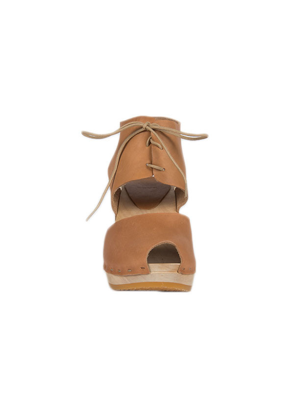 Bryr Sofie Peep Toe in Tan