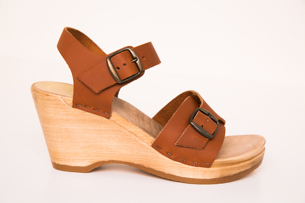 no. 6 elenor clog on wedge