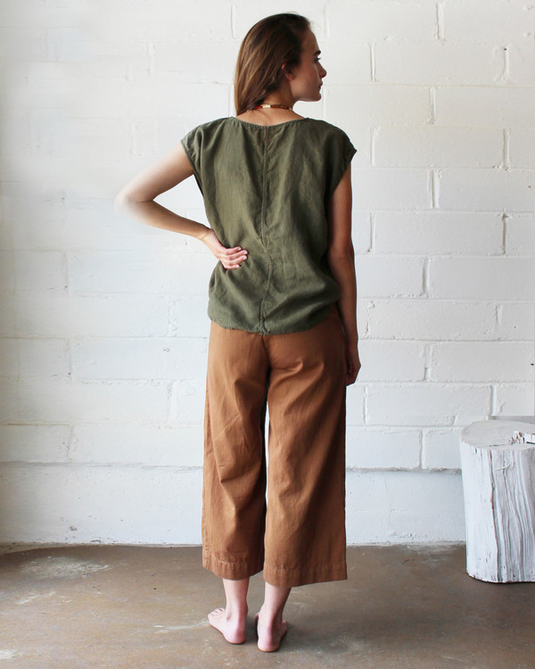 esby EVIE OVERSIZED TOP - OLIVE