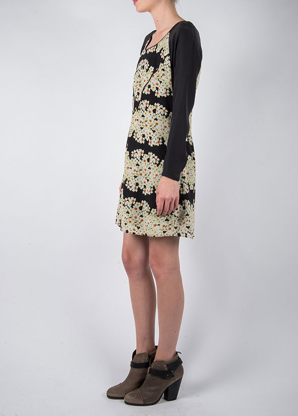 Harlyn - Skater Dress in Black Daisy
