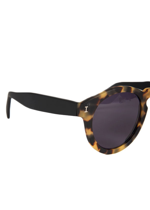 Illesteva - Leonard in Matte Tortoise with Black Temples