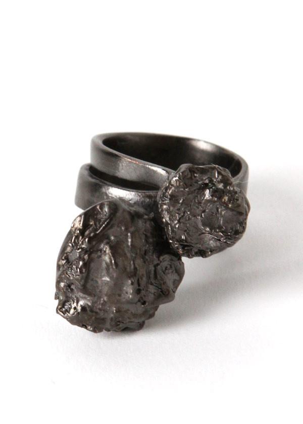 Nugget Wrap Ring in Matte Gunmetal