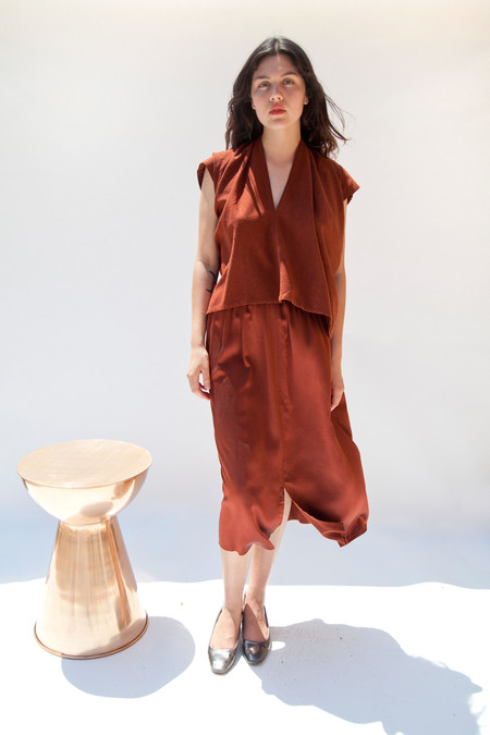 Miranda Bennett In-Stock: Everyday Top, Cropped, Silk Noil in Rust