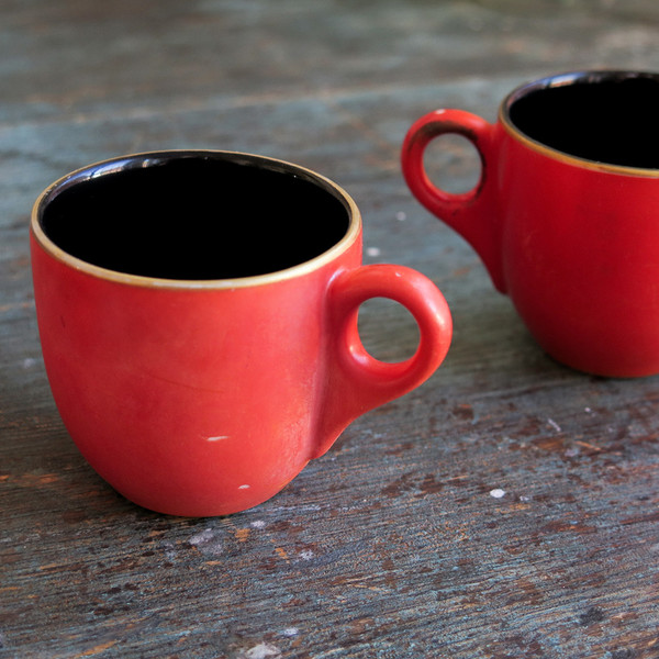 gold-rimmed espresso cups