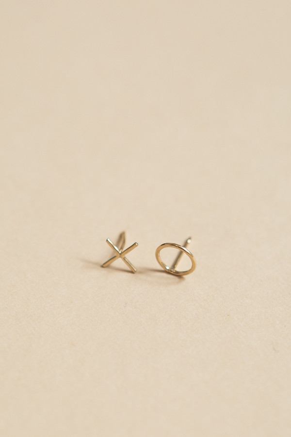 OneSixFive XO Earrings / Gold