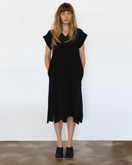 Esby Banks Silk Kimono Dress - Black