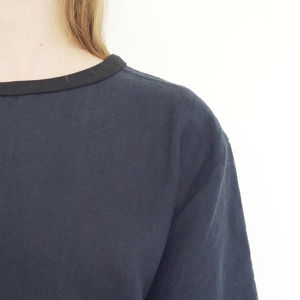 Johan b Navy Linen T-shirt