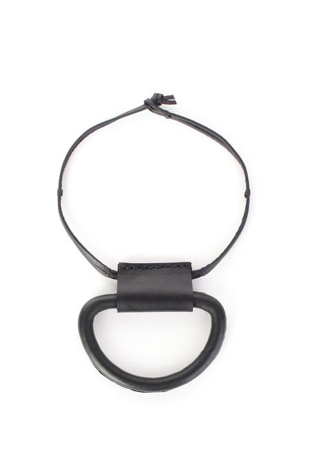 Crescioni Logan necklace in black