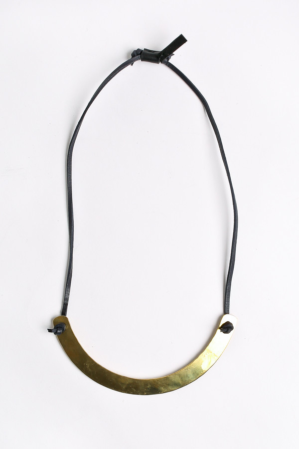 Crescioni Moray necklace in black