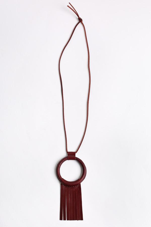 Crescioni Ritual necklace in oxblood