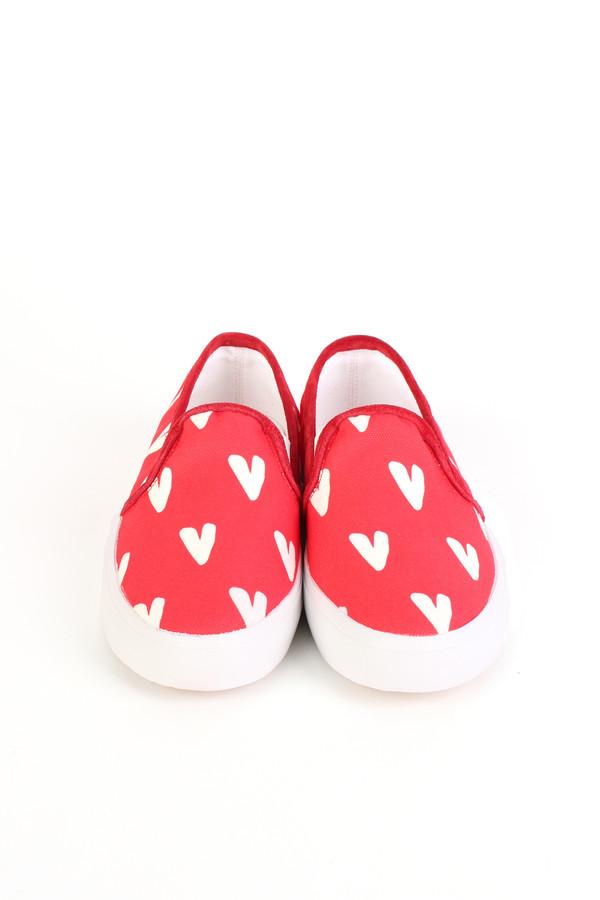 Chinti and Parker Slip on sneaker in heart print