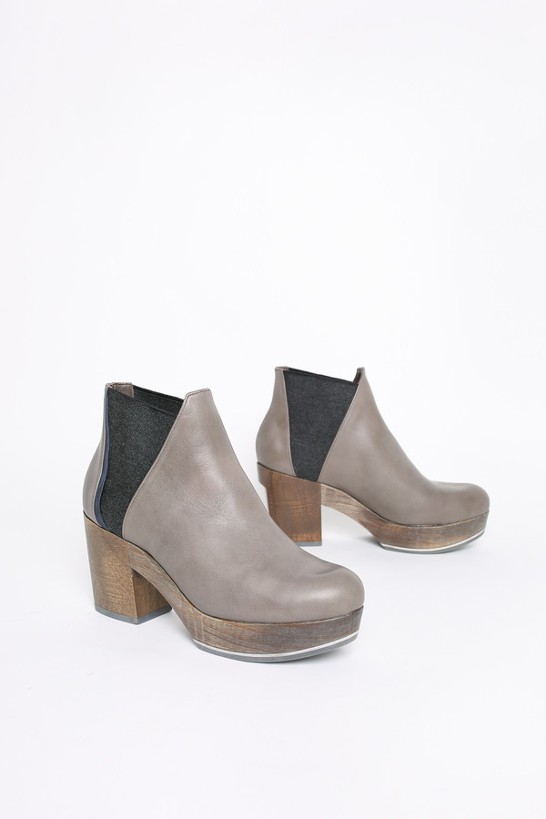 Coclico Trixie platform clog boot in ball gray