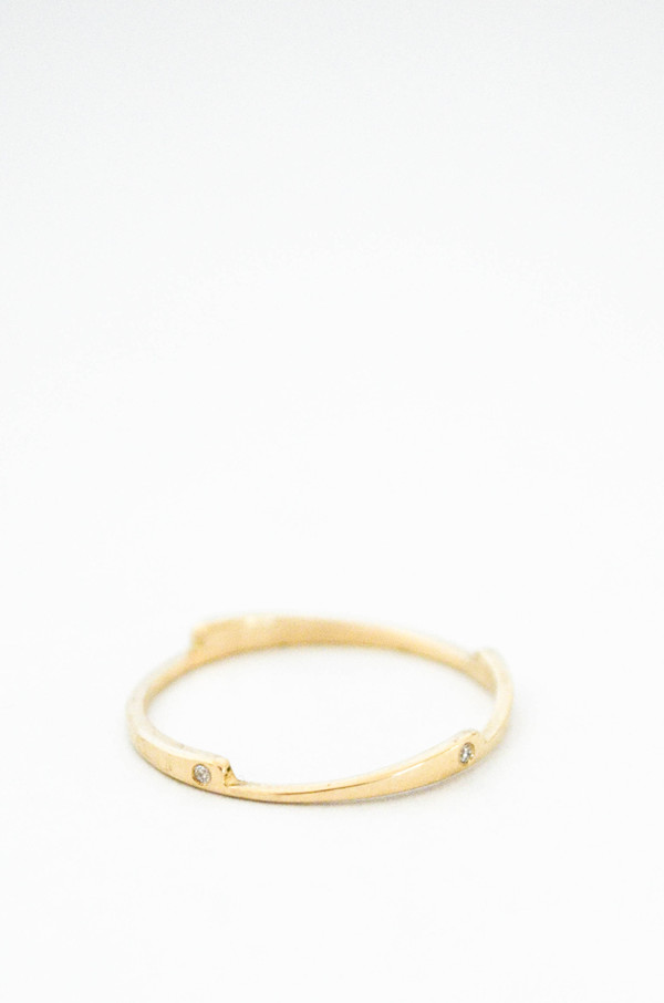 T.Kahres 10kt Gold Razor Stack White Diamond Ring