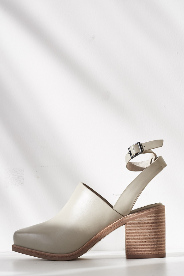 Intentionally Blank Leather Picnic Heel - Bone