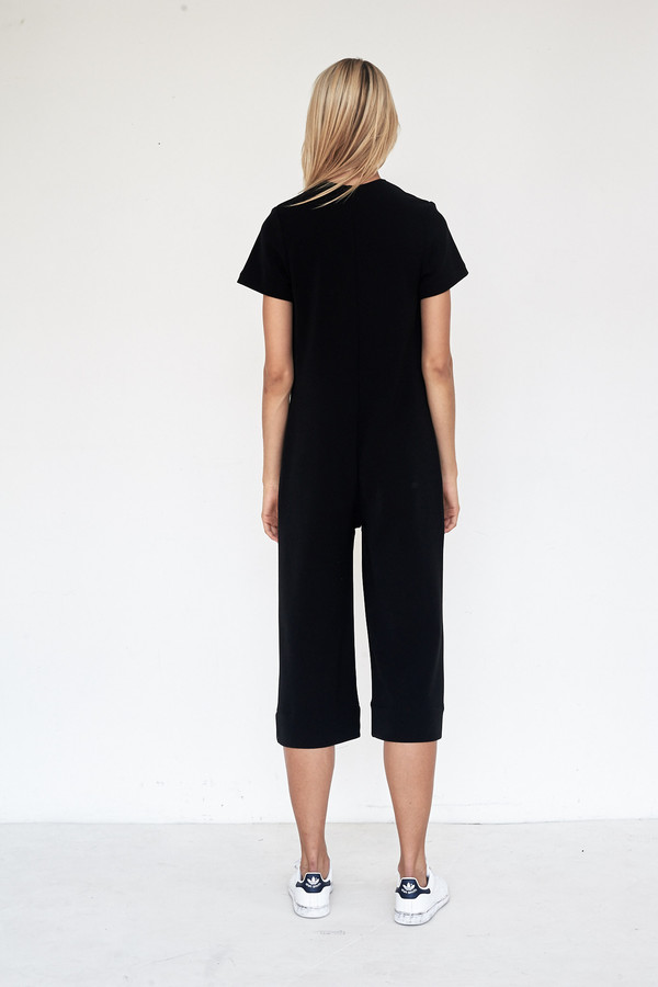 Nomia Crepe Short Sleeved Cropped Jumpsuit