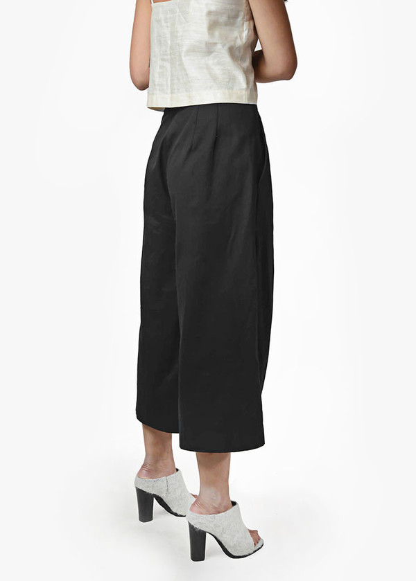 Suzanne Rae - Wide Leg Cropped Trousers