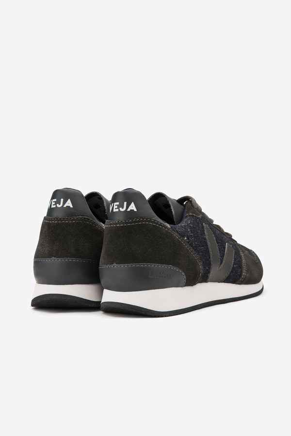 VEJA Holiday Flannel Sneaker in dark graphite
