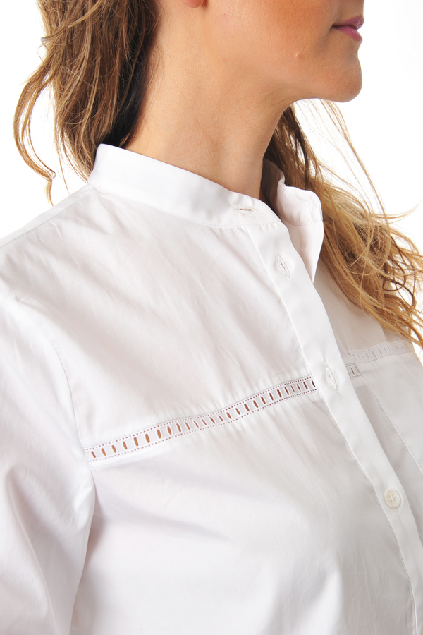 Cropped White Bazal Shirt With Lace and Back Panel by Maud Heline