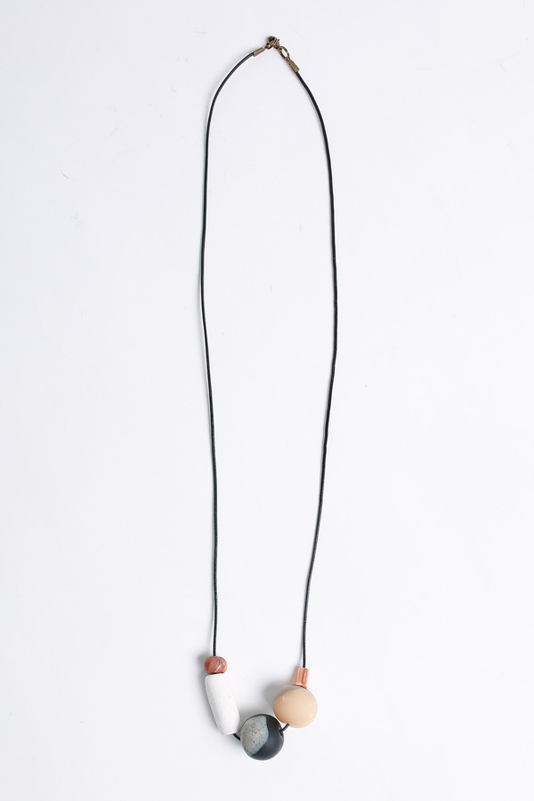 Pepper Train The Everyday Necklace in black/white/bronze