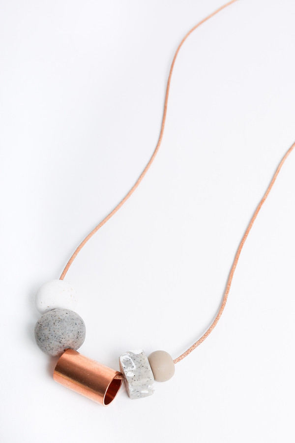 Pepper Train The Everyday Necklace in white/stone/nude